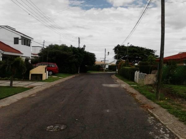 Lomas de Cocoyoc,Morelos,Terreno,1156,venta casas,piscina,bienes raices,inmobiliaria