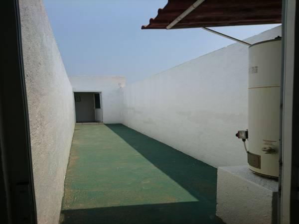 oculto desde codas las fachadas, en 1er nivel.